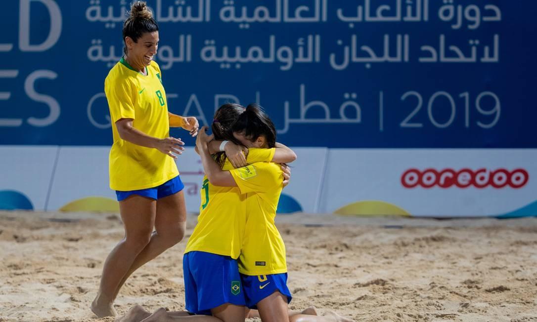 Seleção feminina de futebol de areia estreou com goleada sobre Cabo Verde Foto: Miriam Jeske/COB