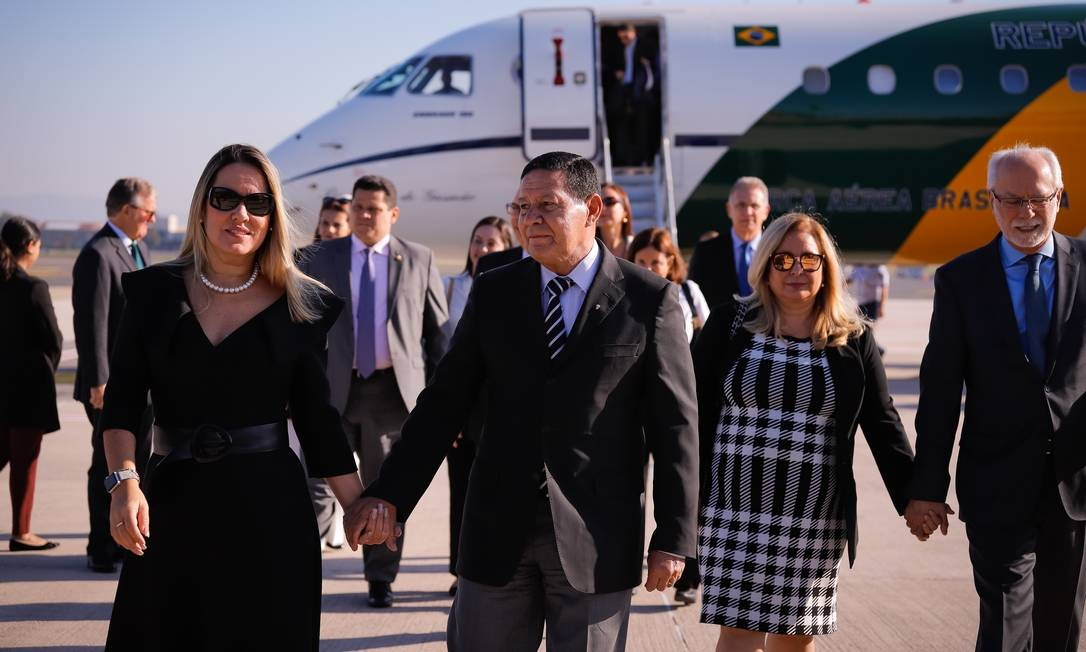 Vice-Presidente da República, Hamilton Mourão, na chegada a Roma Foto: BRUNO BATISTA / Divulgação