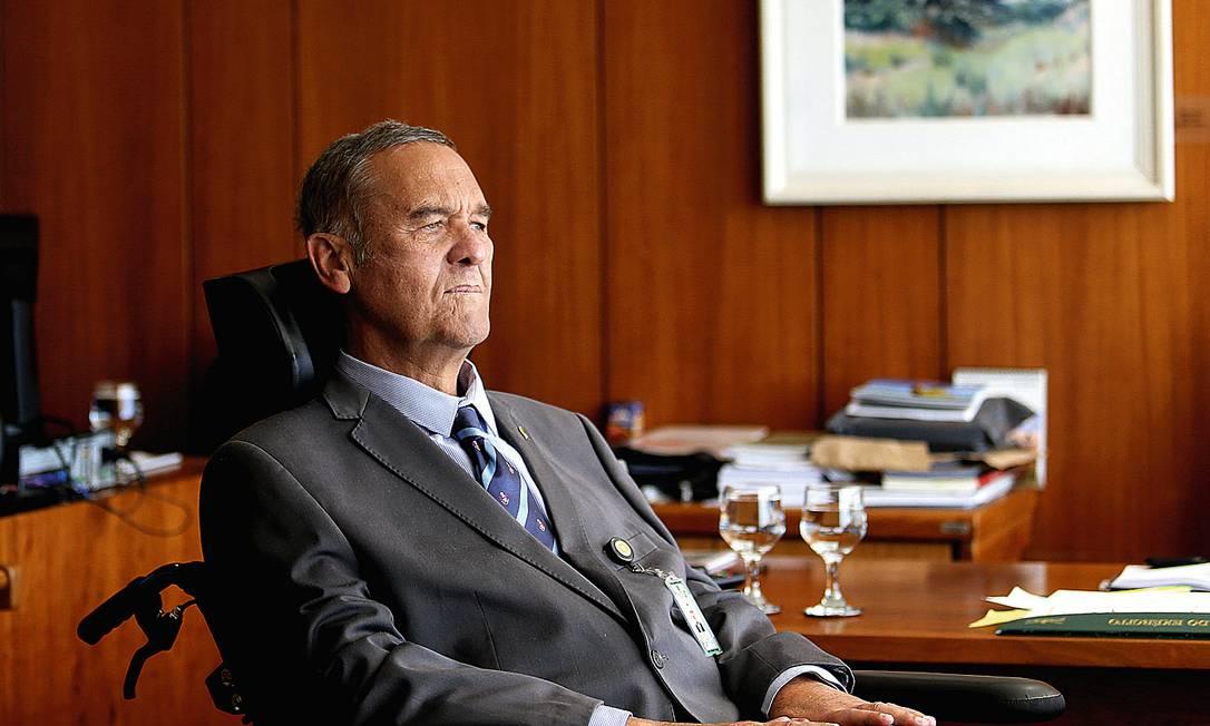 O general Eduardo Villas Bôas, assessor especial do Gabinete de Segurança Institucional, no Palácio do Planalto Foto: Jorge William / Agência O Globo