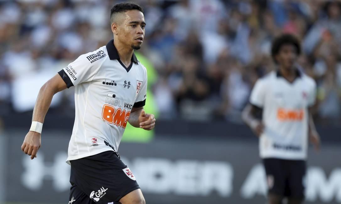 Vasco vence Fortaleza por 1 a 0 em tarde de retorno e despedida