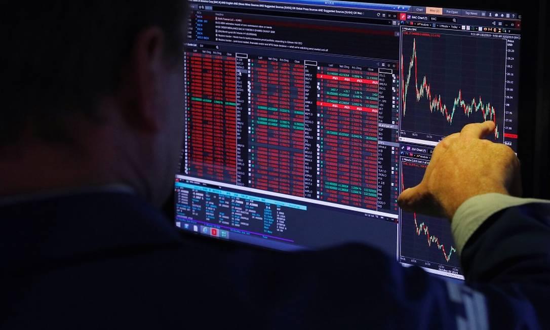Investidor deve verificar os riscos. Foto: LUCAS JACKSON / REUTERS