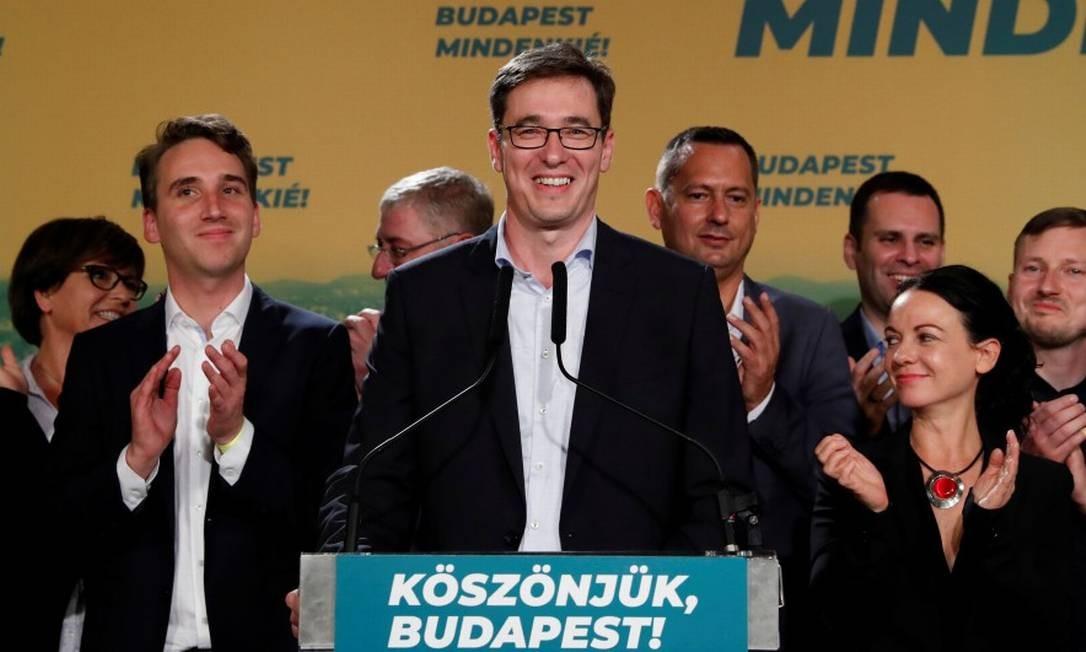Gergely Karacsony, de 44 anos, em seu discurso de vitória após ser eleito prefeito de Budapeste Foto: BERNADETT SZABO / REUTERS 13-10-19