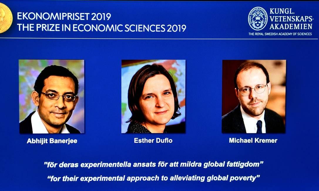 Abhijit Banerjee, Esther Duflo e Michael Kremer são os ganhadores do Nobel de Economia de 2019 Foto: TT NEWS AGENCY / VIA REUTERS