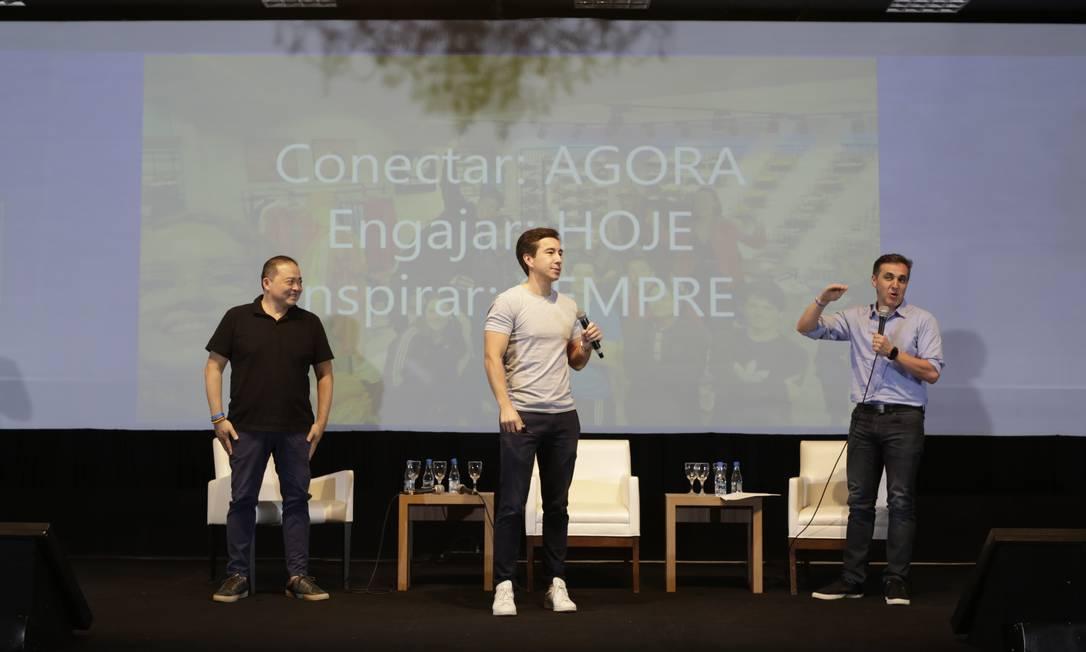 Alberto Oyama, Mauro Nomura e Denis Santini falaram sobre como ser um multifranqueado de alto desempenho Foto: Henrique Kotaka/Divulgação
