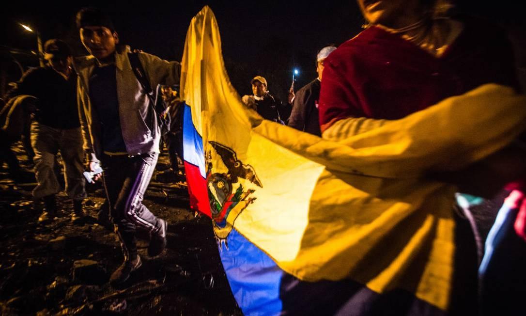 Equatorianos celebram vitória contra o governo de Lenín Moreno Foto: NurPhoto / NurPhoto via Getty Images