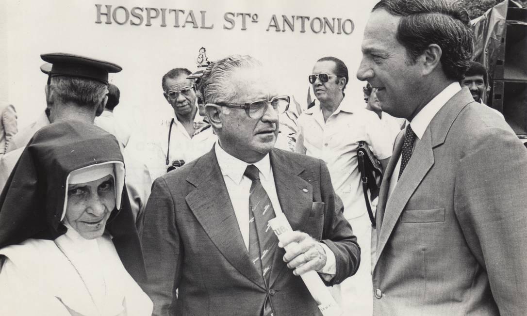 Irmã Dulce, Norberto Odebrecht e Ângelo Calmon no Hospital Santo Antônio Foto: Terceiro / Osid/Divulgação