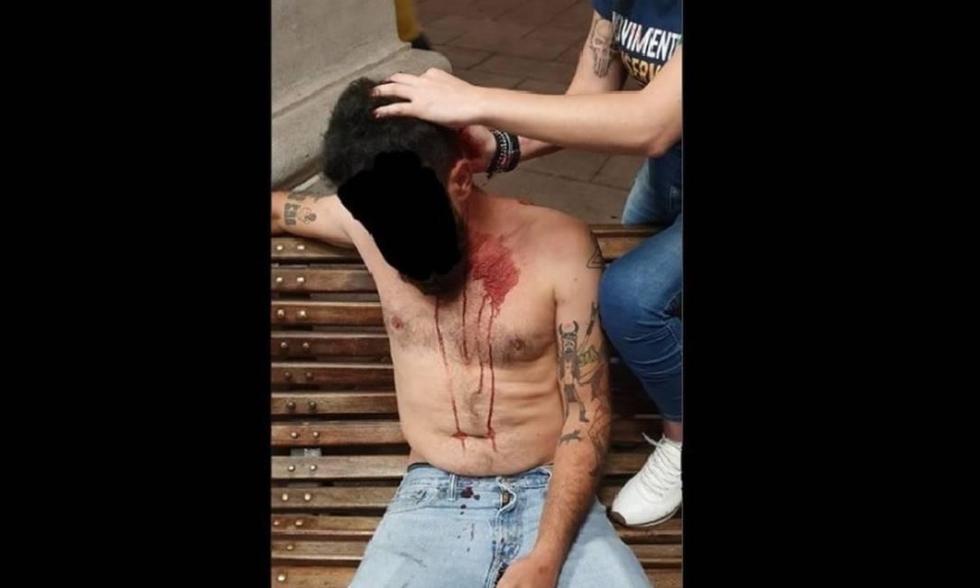 Casal foi levado para a Santa Casa de SP após ser agredido nos arredores da Faculdade de Direito Foto: Reprodução/Twitter