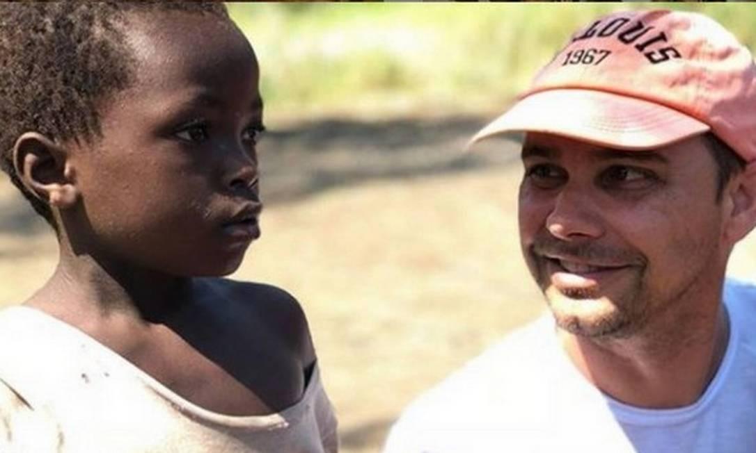 Alex em uma das viagens a Moçambique Foto: Arquivo pessoal