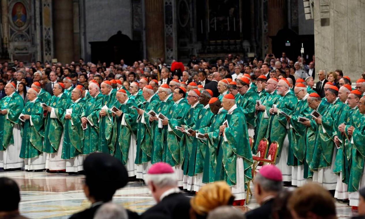 O sínodo da Amazônia trata de assuntos comuns aos nove países da região, organizados em dois eixos: pastoral católica e ambiental Foto: REMO CASILLI / REUTERS