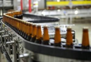 STJ determina que fabricante indenize consumidor que entrou cigarro dentro de garrafa de cerveja Foto: Reprodução
