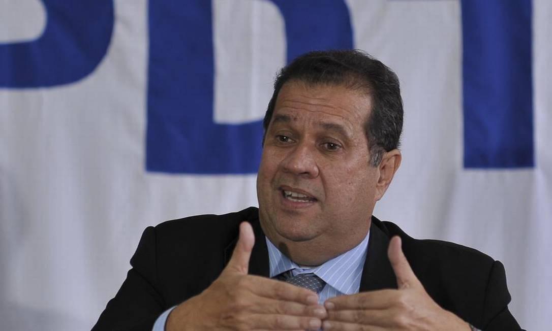 Carlos Lupi virou adversário de Tabata Amaral desde a votação da reforma da Previdência Foto: Agência Brasil