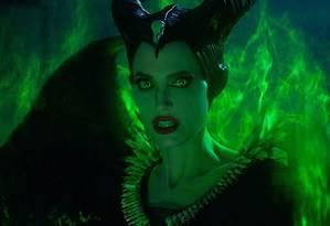 Bonequinho elogia atuação de Angelina Jolie em 'Malévola' Foto: Divulgação