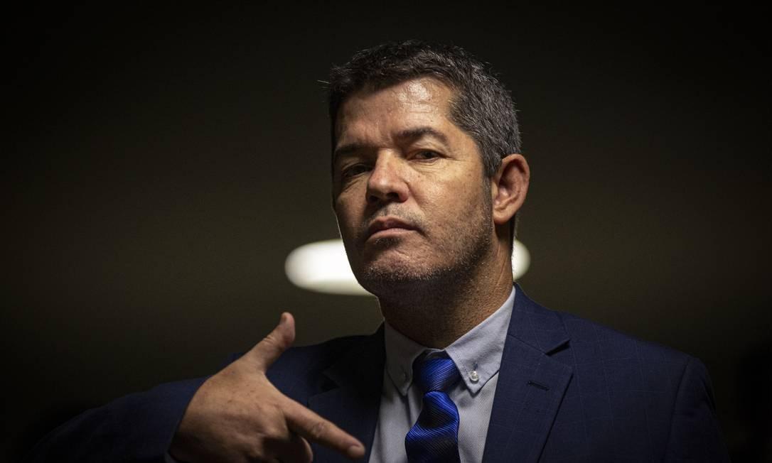 """Atual líder do PSL na Câmara, deputado federal Delegado Waldir (PSL-GO) é aliado de Luciano Bivar, presidente da legenda. Em áudio vazado nesta quinta-feira (17), Waldir chama Bolsonaro de """"vagabundo"""" e afirma que vai """"implodir"""" o presidente Foto: Daniel Marenco / Agência O Globo"""