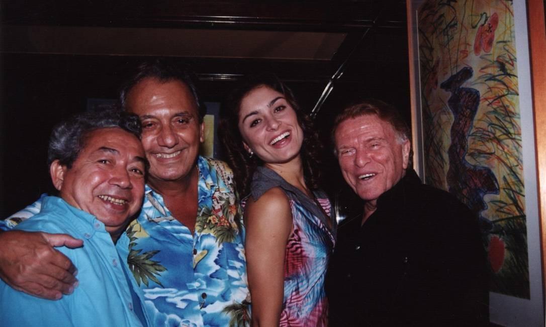 Joãozinho Trinta (a partir da esquerda), Agildo Ribeiro, Franciely Freduzeski e Maurício Sherman Foto: Marco Rodrigues / Divulgação