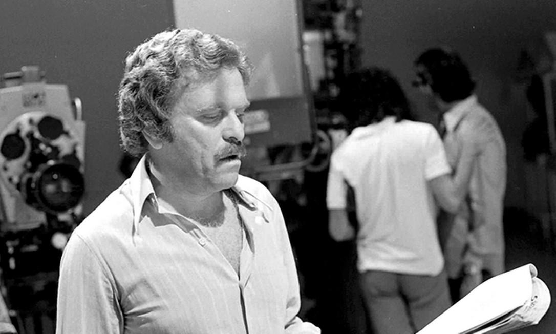 Mauricio Sherman no comando do programa 'Faça humor, não faça guerra' Foto: TV Globo
