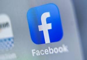 Processo vai apurar coleta de dados para orientação de publicidade pelo Facebook Foto: DENIS CHARLET / AFP
