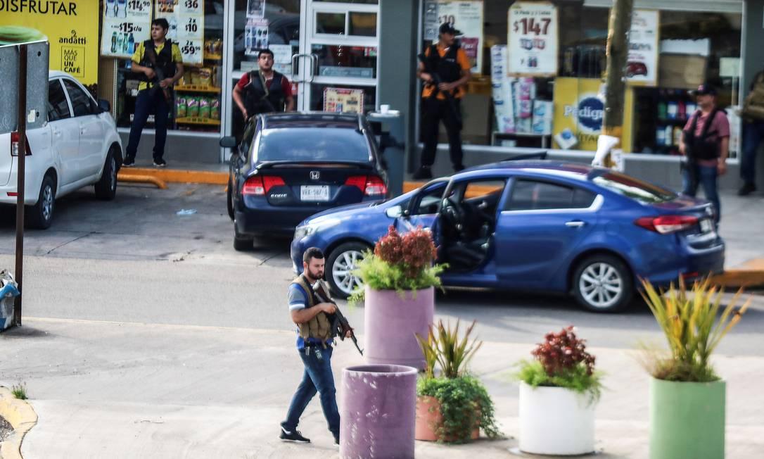 """O ataque ocorreu em represália à prisão de Ovidio Guzmán Lopes, filho de Joaquin """"El Chapo"""" Guzmán, que está preso nos Estados Unidos. Sinaloa é o estado onde nasceu El Chapo Foto: Jesus Bustamante / REUTERS"""