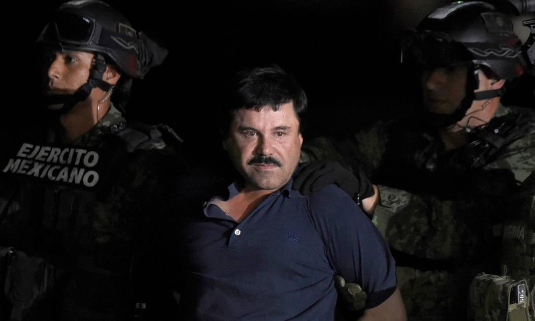 """O chefão do tráfico do Cartel de Sinaloa, Joaquin """"El Chapo"""" Guzman, após ser capturado em Los Mochis, em 2016: El Chapo está preso nos Estados Unidos, onde foi condenado em fevereiro à prisão perpétua Foto: ALFREDO ESTRELLA / AFP"""