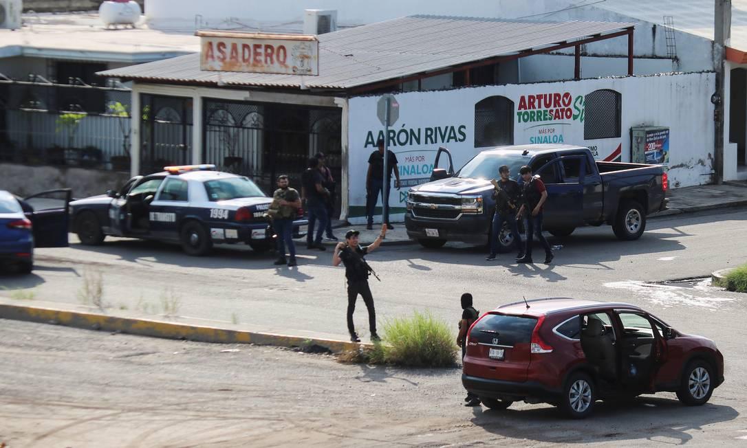 Atiradores do cartel entraram atacaram pelo menos 11 pontos de Culiacán, entrando em confronto com o Exército e a Guarda Nacioanl após a detenção de Ovidio Guzmán Foto: JESUS BUSTAMANTE / REUTERS