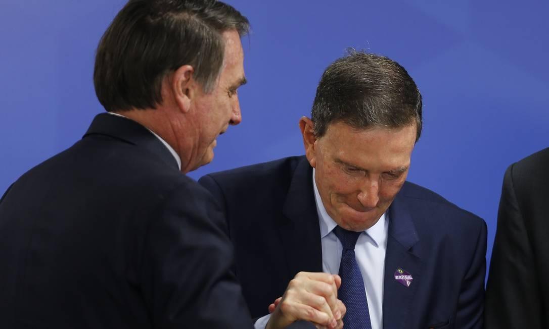 Crivella corteja Bolsonaro para cristalizar voto conservador para eleições de 2020