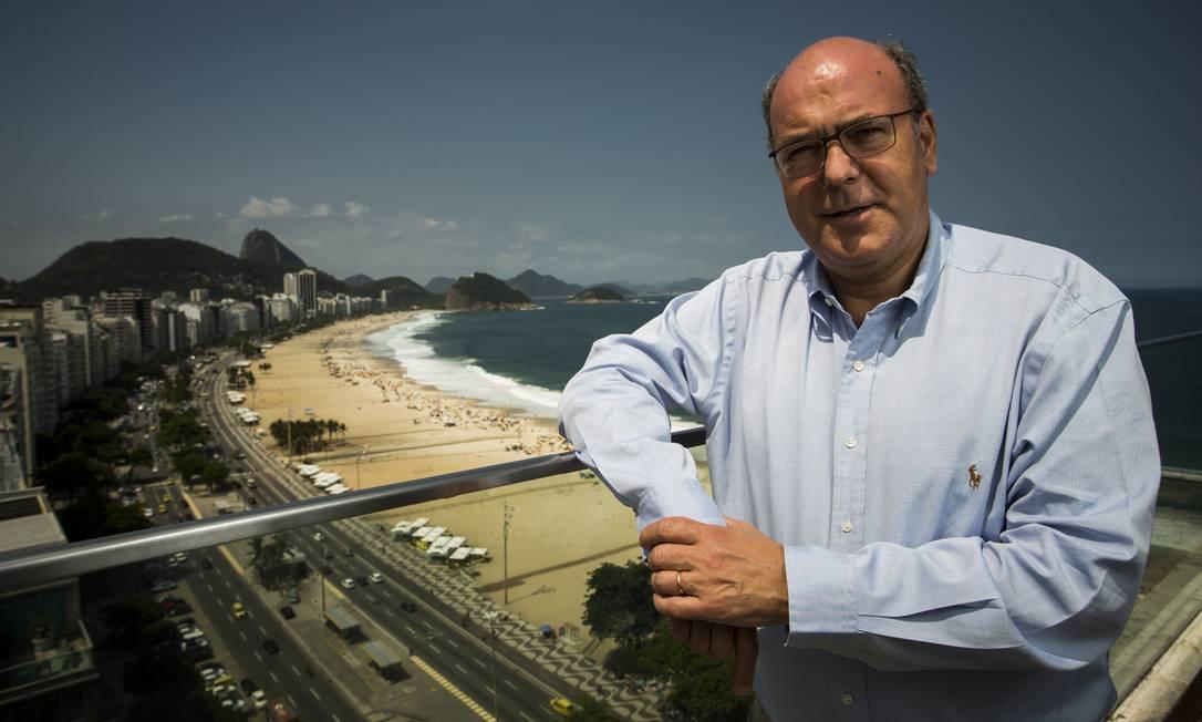 Cartão-postal. O presidente global do Pestana, José Theotónio, no hotel da Avenida Atlântica, em Copacabana: parar ele, Rio tem potencial para mais visitantes Foto: Guito Moreto / Agência O Globo