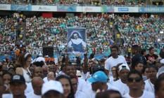 População deixou estádio de futebol praticamente lotado para celebração em homensagem à Santa Dulce dos Pobres Foto: Felipe Iruatã