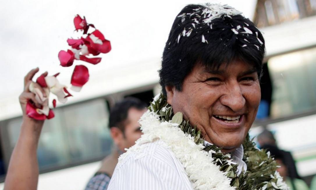 Presidente Evo Morales, enquanto chegava para votar na Bolívia Foto: UESLEI MARCELINO / REUTERS