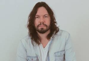 O cantor e compositor Teago Oliveira, da banda Maglore, que lança o disco solo