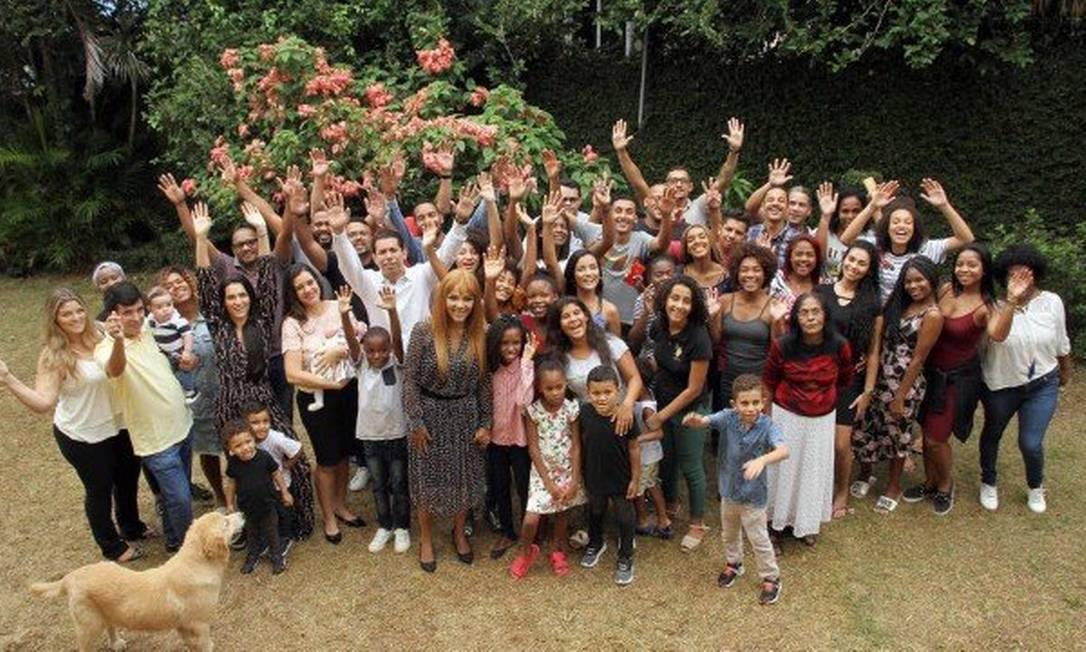 Flordelis com o pastor Anderson e os filhos Foto: Reprodução