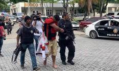 Homem é preso em ação da polícia contra grupo que planejava invadir o Maracanã Foto: Fernanda Rouvenat / G1