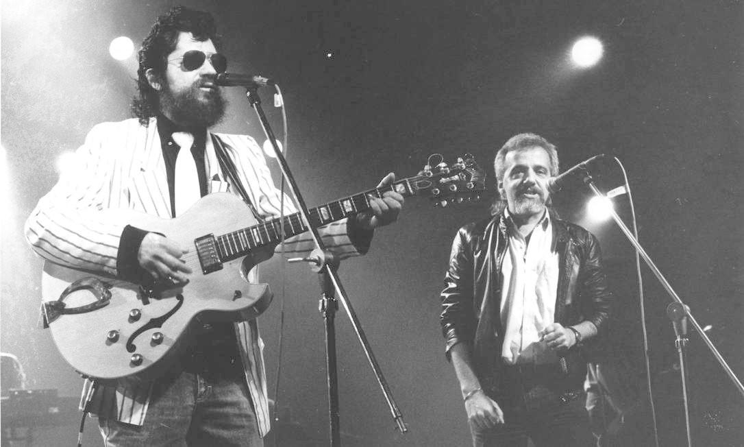 Raul Seixas e Paulo Coelho nos anos 1970 Foto: Divulgação / Agência O Globo