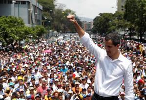 O líder opositor venezuelano Juan Guaidó durante protesto contra o governo do presidente Nicolás Maduro em maio deste ano: segundo ele, governo do chavista está financiando movimentos violentos e anarquistas em países como Equador e Chile Foto: Carlos Garcia Rawlins/Reuters/01-05-2019