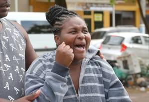 """Gisele Luz, mãe de Lorrana: """"Voltei para a casa para pegar uma roupa e quando voltei eles me disseram que ela já estava morta"""" Foto: Guilherme Pinto / Agência O Globo"""