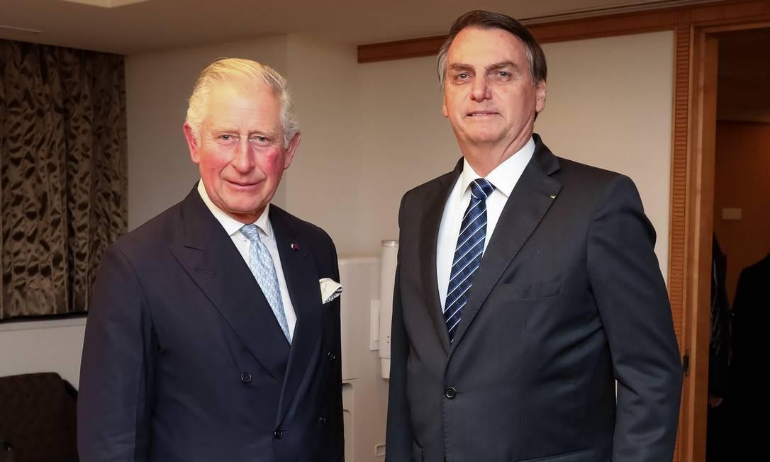 No Japão, o presidente (direita) encontrou com o Príncipe Charles, herdeiro do trono do Reino Unido Foto: José Dias / PR