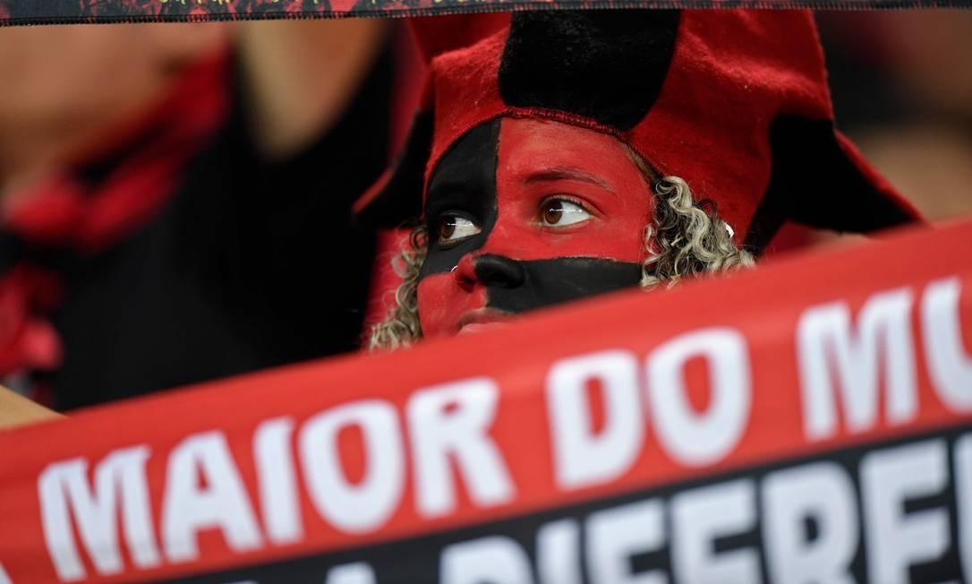 Torcida do Flamengo está ansiosa pela final da Libertadores e deve lotar estádios e cinemas pelo Brasil Foto: MAURO PIMENTEL / AFP