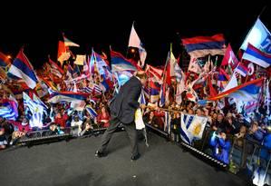 Daniel Martínez, ex-prefeito de Montevidéu e candidato presidencial da Frente Ampla, no encerramento da campanha; ele deve disputar segundo turno com candidato da centro-direita Foto: PABLO PORCIUNCULA BRUNE/AFP/23-10-2019