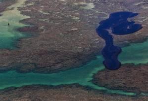 Derramamento de óleo em Maragogi, Alagoas Foto: HO / AFP