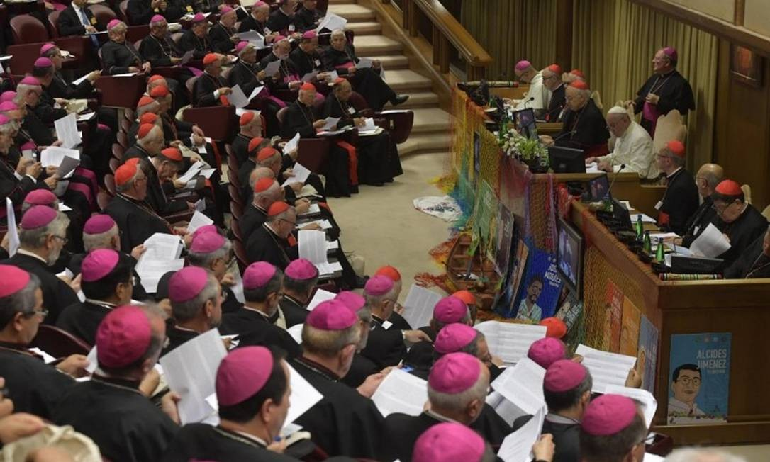 Bispos apresentam relatório ao Papa no fim do Sínodo para a Amazônia Foto: Divulgação/Vaticano / Agência O Globo