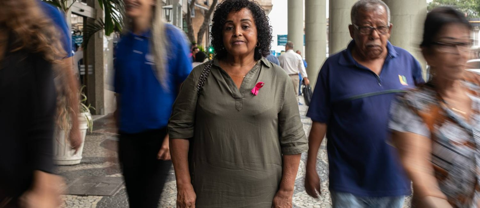 A professora Leila Nilcéa, de 63 anos, completou o tempo de contribuição para a aposentadoria especial Foto: Brenno Carvalho / Agência O Globo