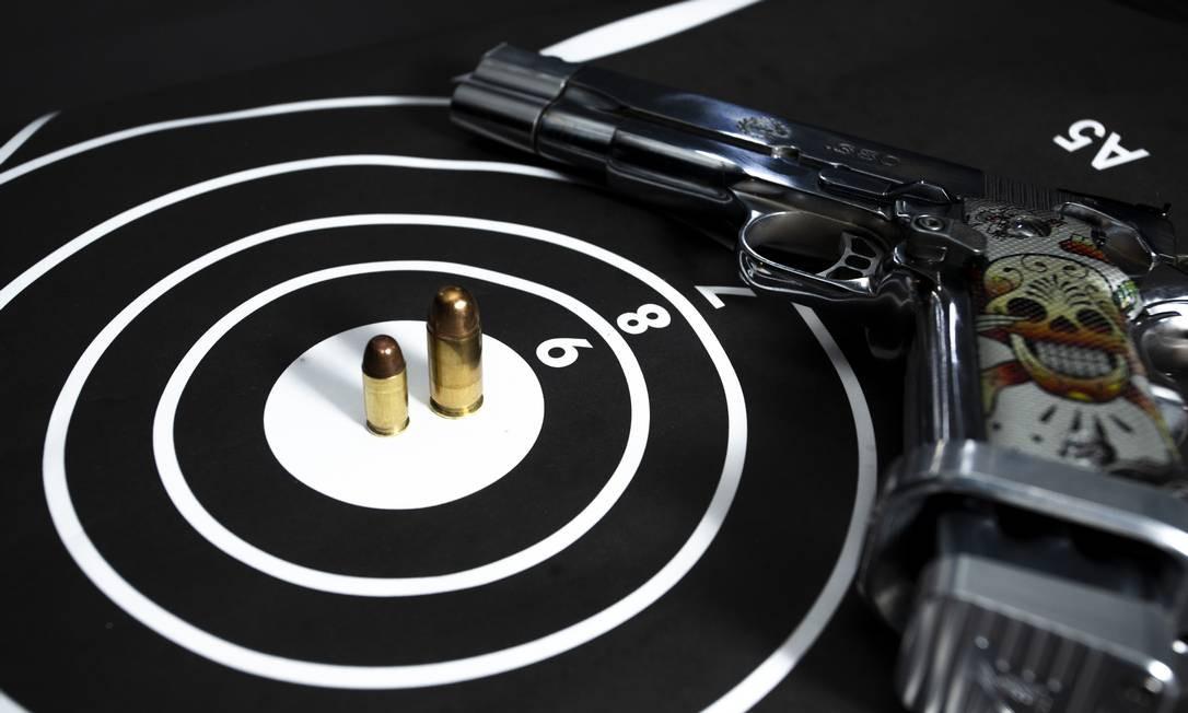No Rio, o registro de novas armas passou de 90 em janeiro para 273 em agosto deste ano, um salto de 203%. Foto: Bruno Kaiuca / Agência O Globo