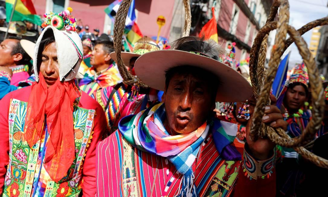 Apoiadores do presidente Evo Morales participam de um protesto em La Paz Foto: KAI PFAFFENBACH / REUTERS