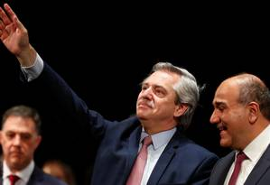 Fernández (ao centro): agradecimento de Lula ao presidente eleito da Argentina Foto: AGUSTIN MARCARIAN / REUTERS