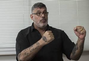 O deputado Alexandre Frota (PSDB-SP), que deixou o PSL, presta depoimento nesta quarta-feira à CPI Foto: Edilson Dantas / Agência O Globo