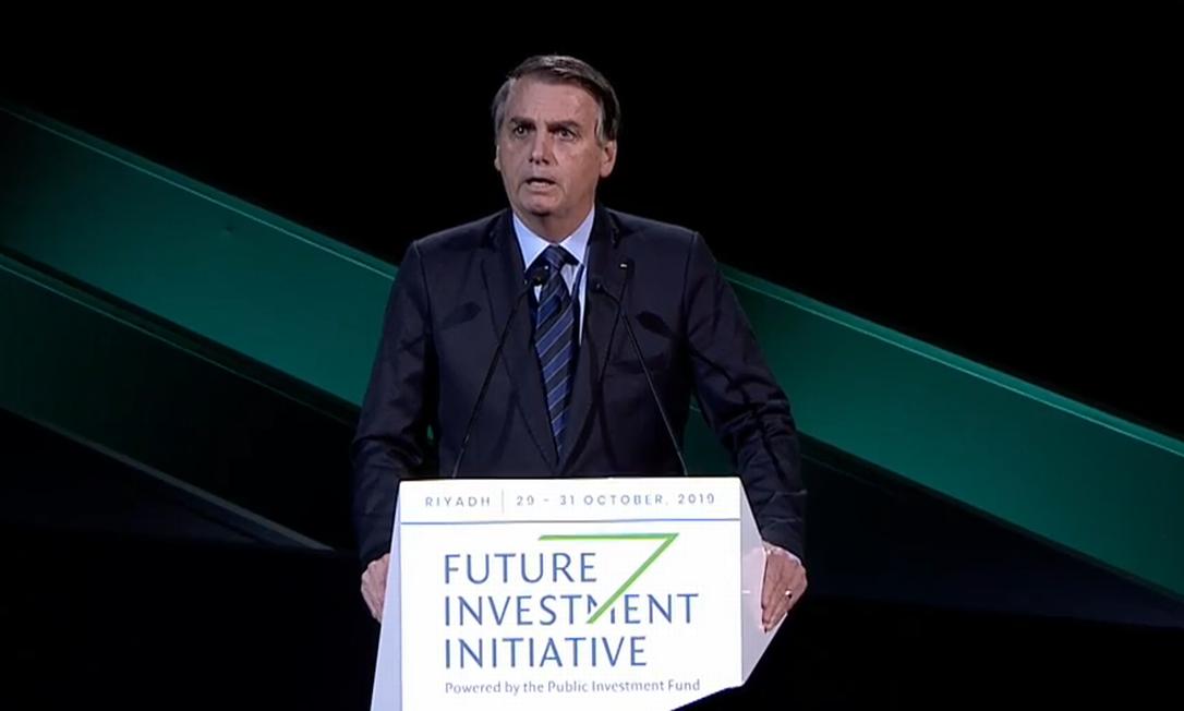 Presidente Jair Bolsonaro discursa durante painel de investidores em Riad, capital da Arábia Saudita Foto: Reprodução
