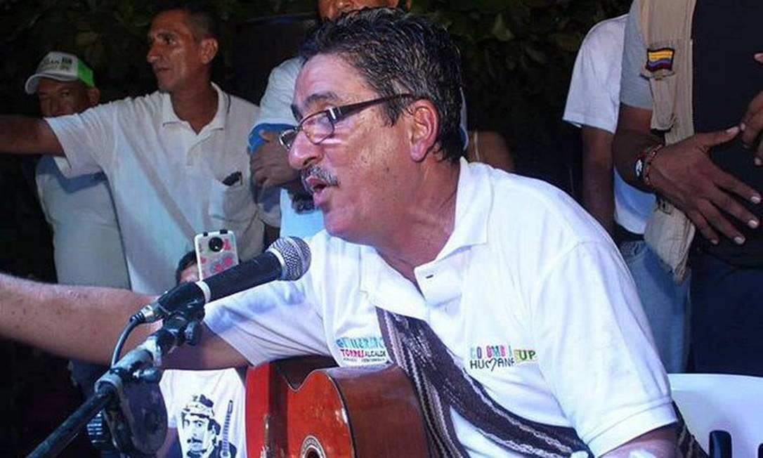 """Guillermo Enrique Torres Cueter, conhecido na época de combatente como """"Julián Conrado"""", ou simplesmente o Cantor das Farc, é o primeiro ex-guerrilheiro a ser eleito como prefeito da Colômbia Foto: Reprodução"""