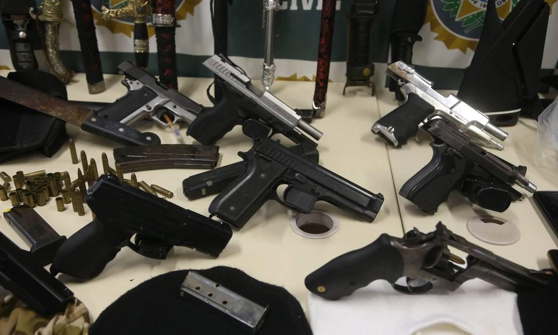 Armas apreendidas em operação no Rio de Janeiro Foto: Fabiano Rocha / Agência O Globo