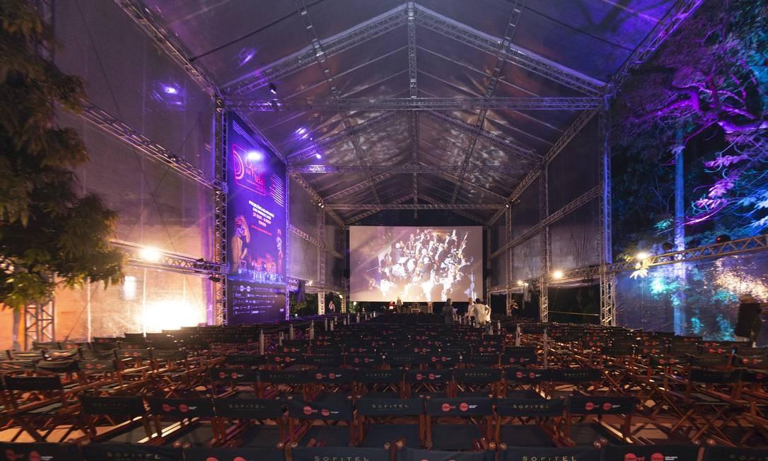 Tenda que vai receber o festival Ópera na Tela, no Parque Lage Foto: Rogerio Resende/R2Foto