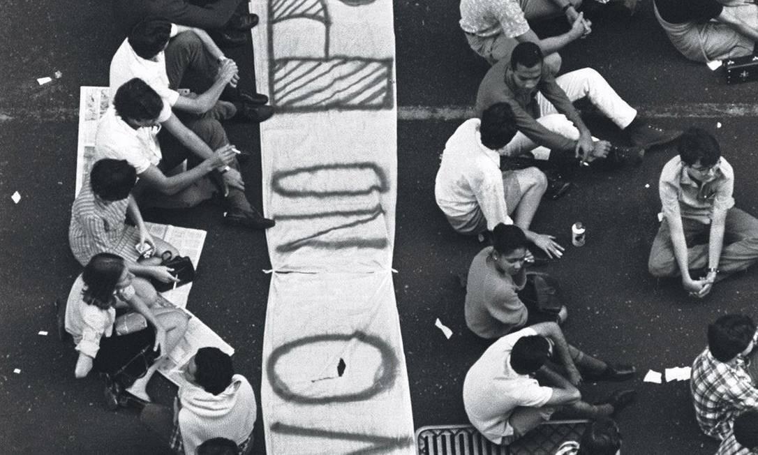 Passeata dos 50 mil contra a Ditadura Militar Foto: Arquivo / Agência O Globo
