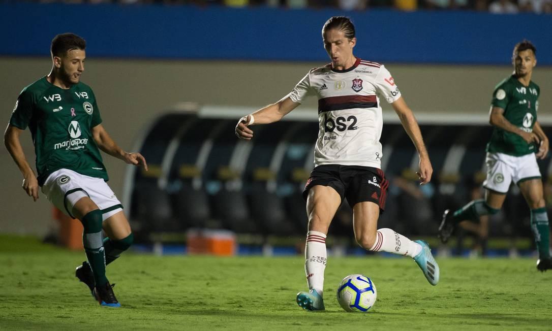 Filipe Luís foi titular contra o Goiás: rodízio é um desafio Foto: Alexandre Vidal/Flamengo