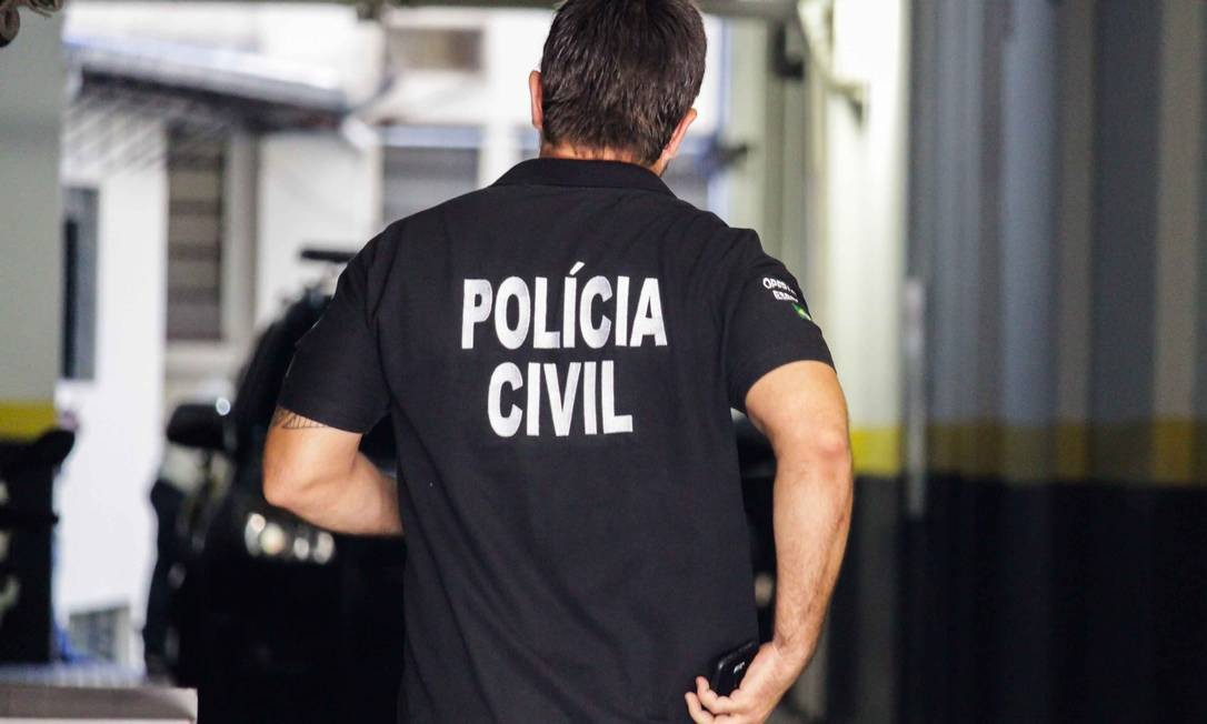 As investigações identificaram grupos que vendiam assinaturas clandestinas de TV Foto: Ofotográfico / Agência O Globo